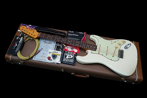 Fender Custom Shop Stratocaster 1960 Relic Lightweight Olympic White 2008