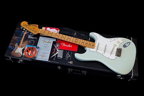 Fender Custom Shop Stratocaster 1969 Journeyman Relic 30th Anniversary Edition Sonic Blue 2017