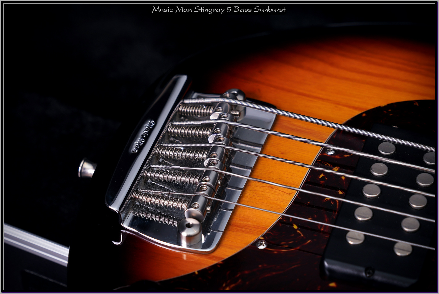 Music Man Stingray 5 Bass Sunburst 07_xupd.jpg